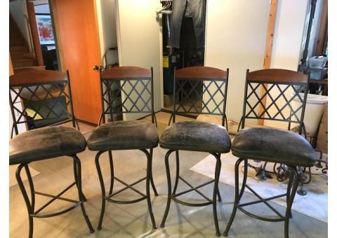 4 Iron bar stools